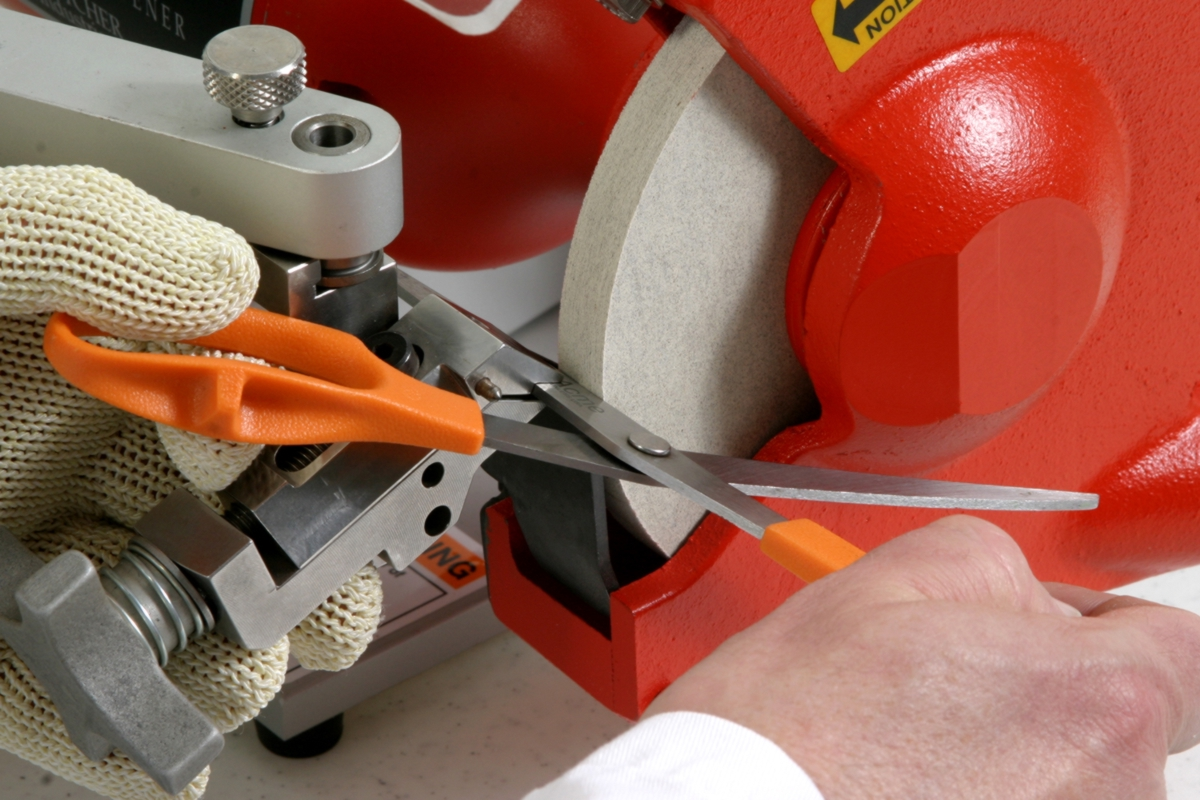 Bettcher® Blade Sharpening Service Thumbnail Photo